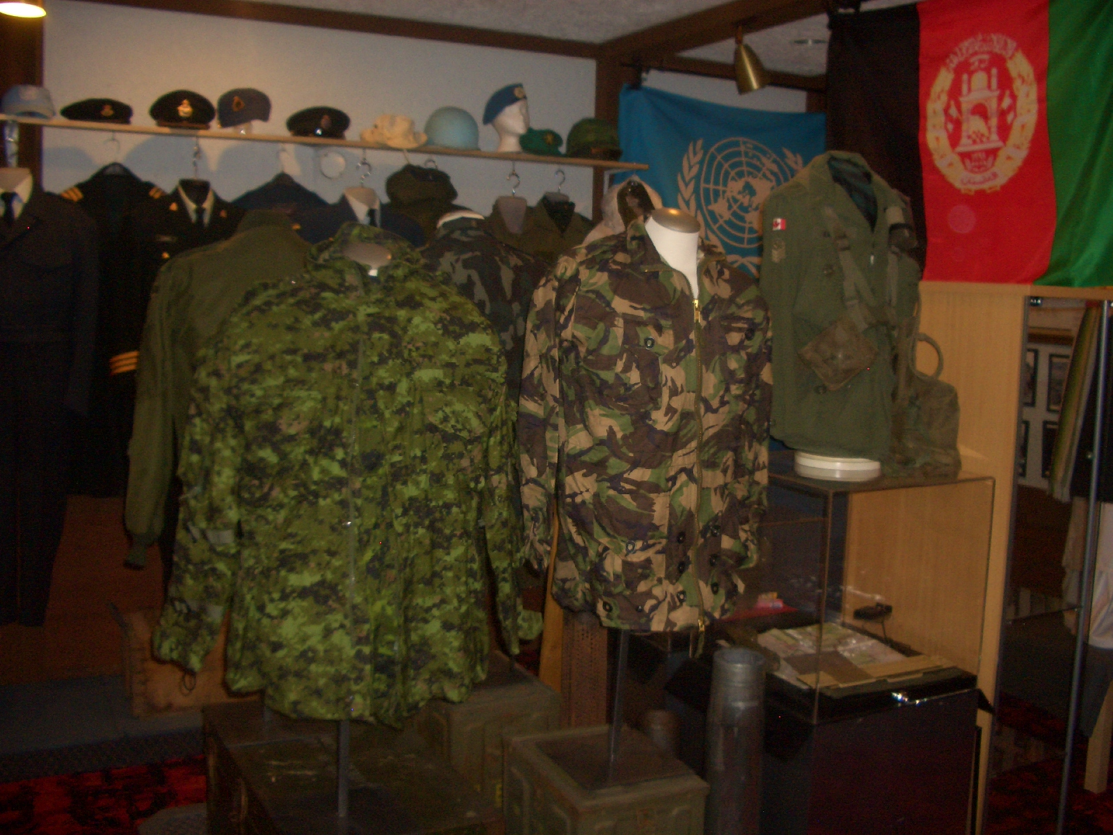 snipers and canadian airborne smocks.jpg - 1016.80 Kb